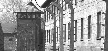 14 czerwca 1940 r.Tego dnia hitlerowcy deportowali do nowo utworzonego niemieckiego obozu Auschwitz 728 Polaków, głównie młodych ludzi, harcerzy, studentów, członków podziemnych organizacji niepodległościowych, żołnierzy kampani wrześniowej 1939 roku, którzy próbowali się przedrzeć na Węgry do powstającej tam Armii Polskiej.